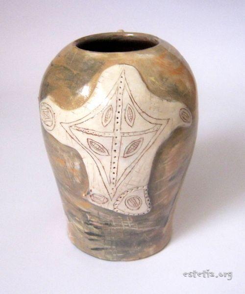 Глазирана глинена ваза