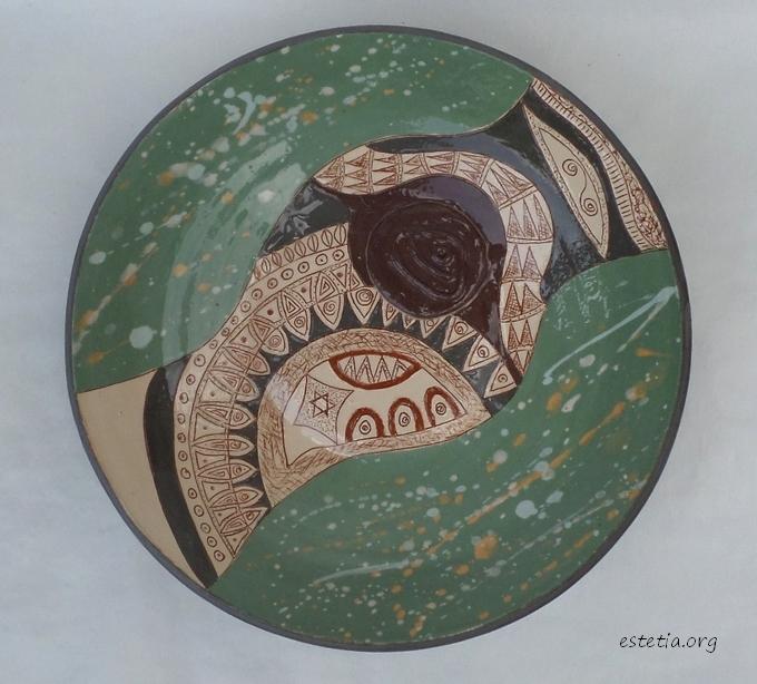 глинена стенна чиния -артистична декорация