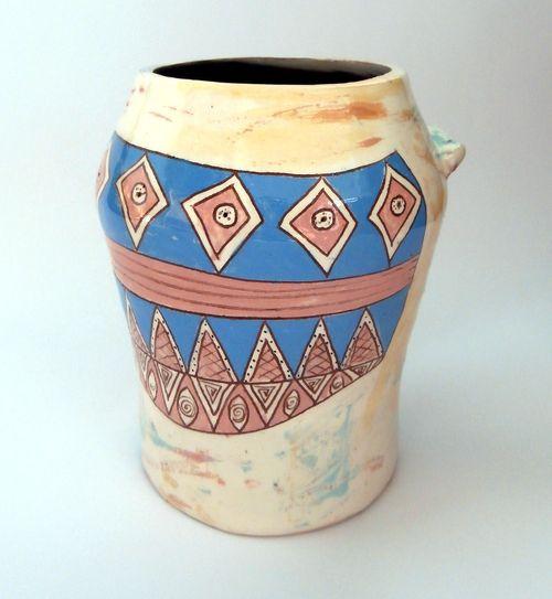 керамична ваза - декорация за дома
