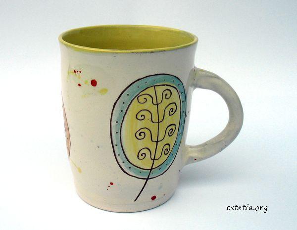 чаша с цветни мотиви